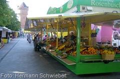 Eine große Obst- und Gemüsevielfalt auf dem Wochenmarkt in Geestemünde | Foto: Hermann Schwiebert