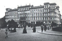 Die Gäste des Victoria-Hotels konnten von ihren Zimmerfenstern aus das pulsierende Leben im Zentrum der aufblühenden Stadt Görlitz vom Morgen bis zum Abend verfolgen   Foto: Robert Scholz um 1900