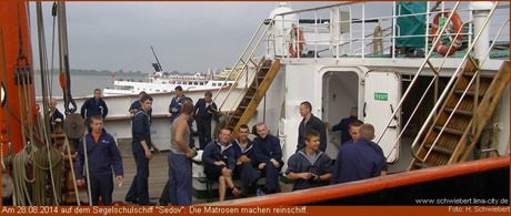 """Reinschiffmachen auf der """"Sedov"""""""