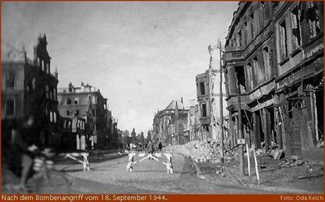 Georgstraße nach dem Bombenangriff