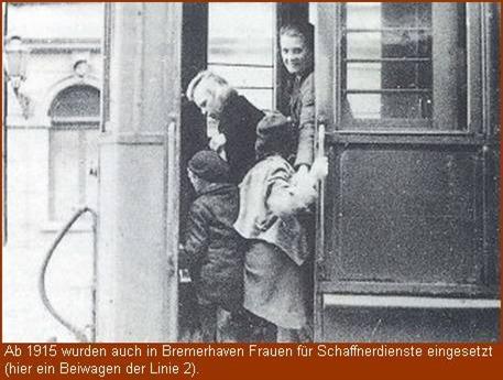 Schaffnerin in der Straßenbahn