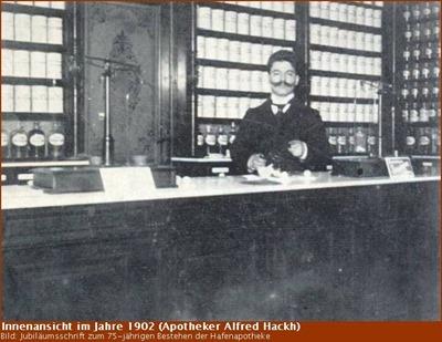 Alfred Hackh in der Hafen-Apotheke