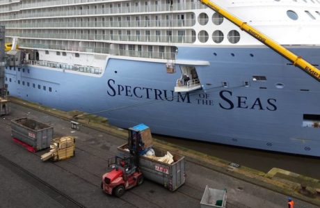 """Spectrum of the Seas"" in Bremerhaven"